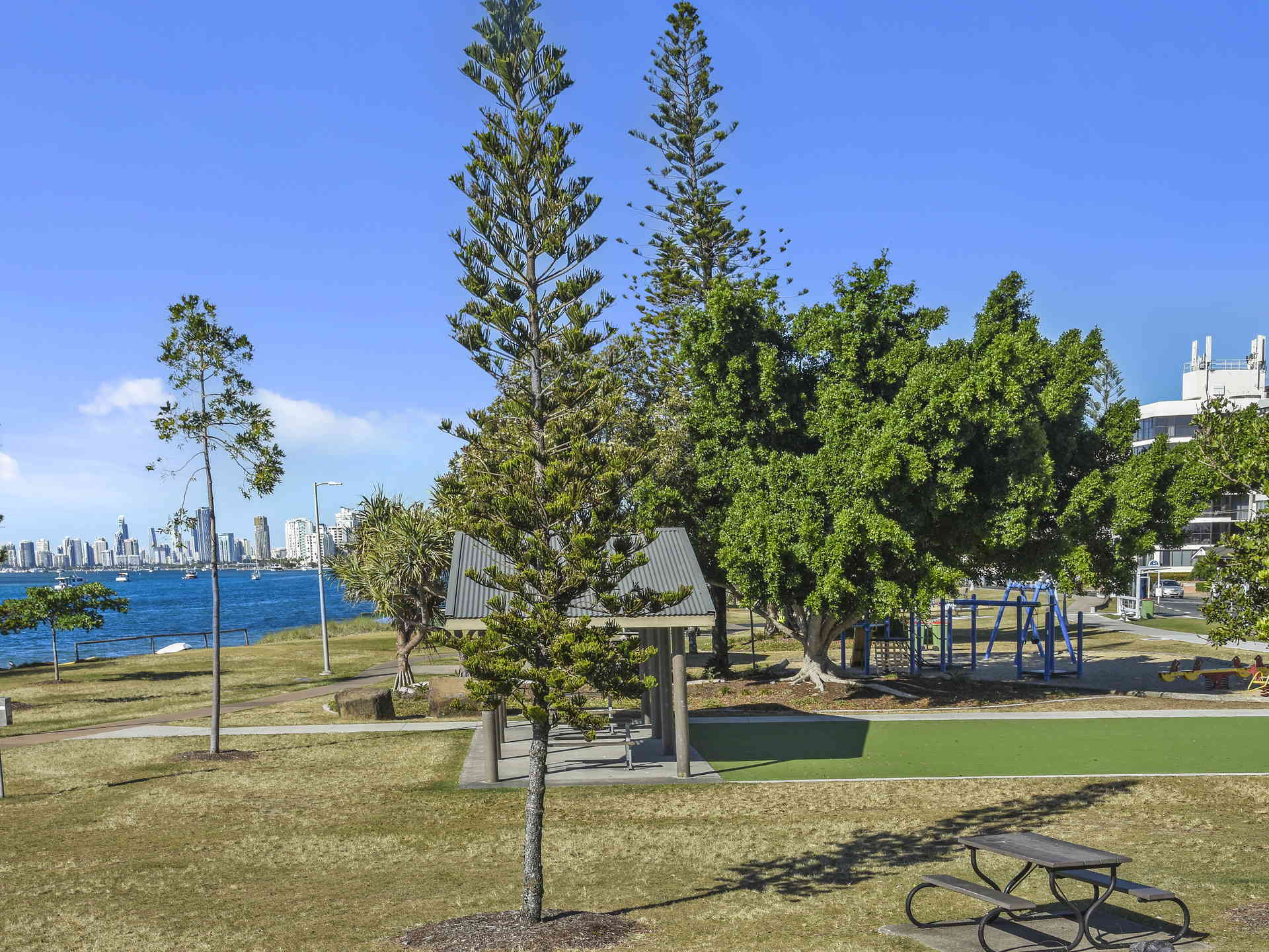 Real Estate | Gold Coast | Chevron Realty | 003 Open2view Id512753 2 548 Marine Parade Biggera Waters