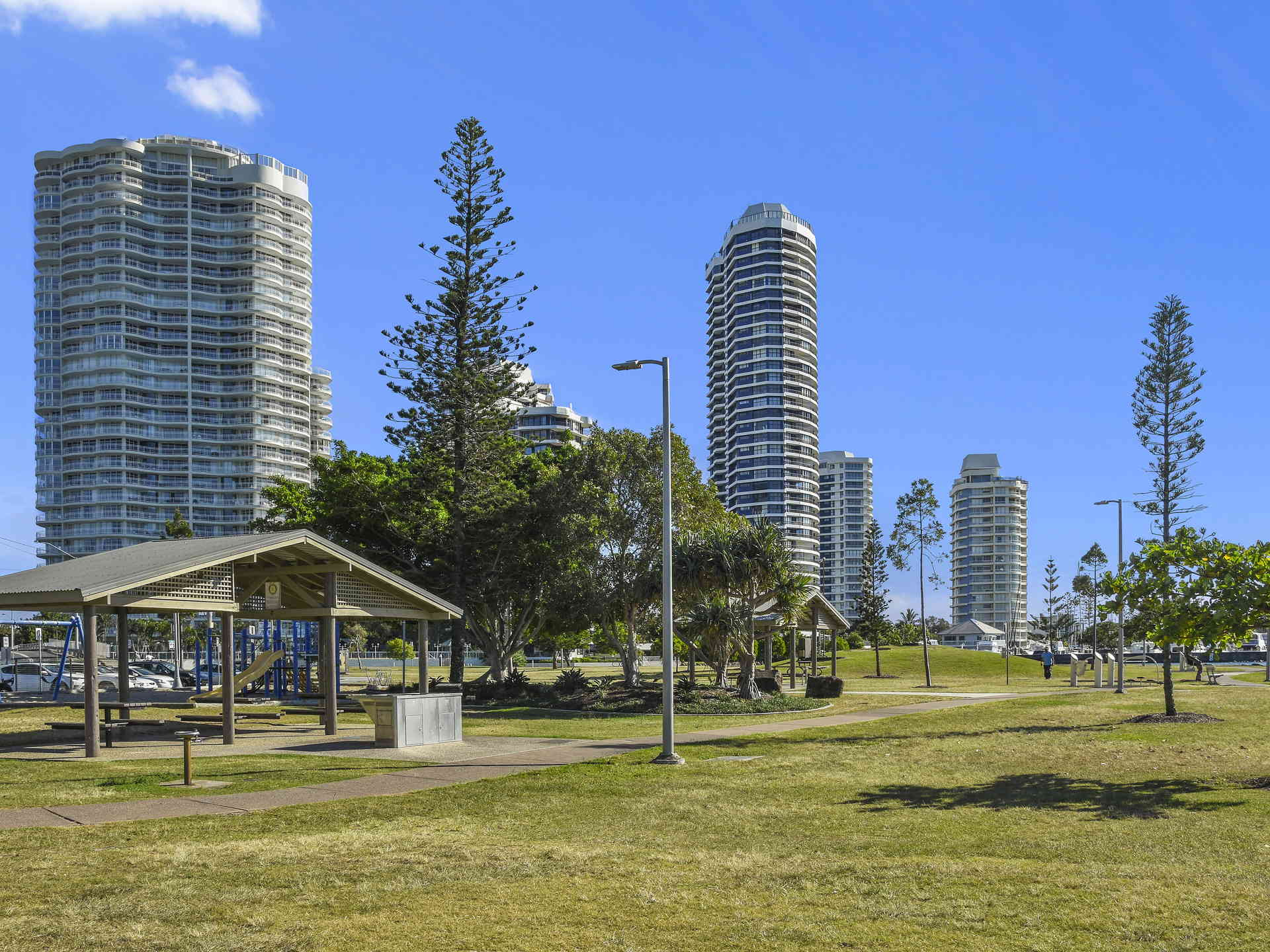 Real Estate | Gold Coast | Chevron Realty | 004 Open2view Id512753 2 548 Marine Parade Biggera Waters