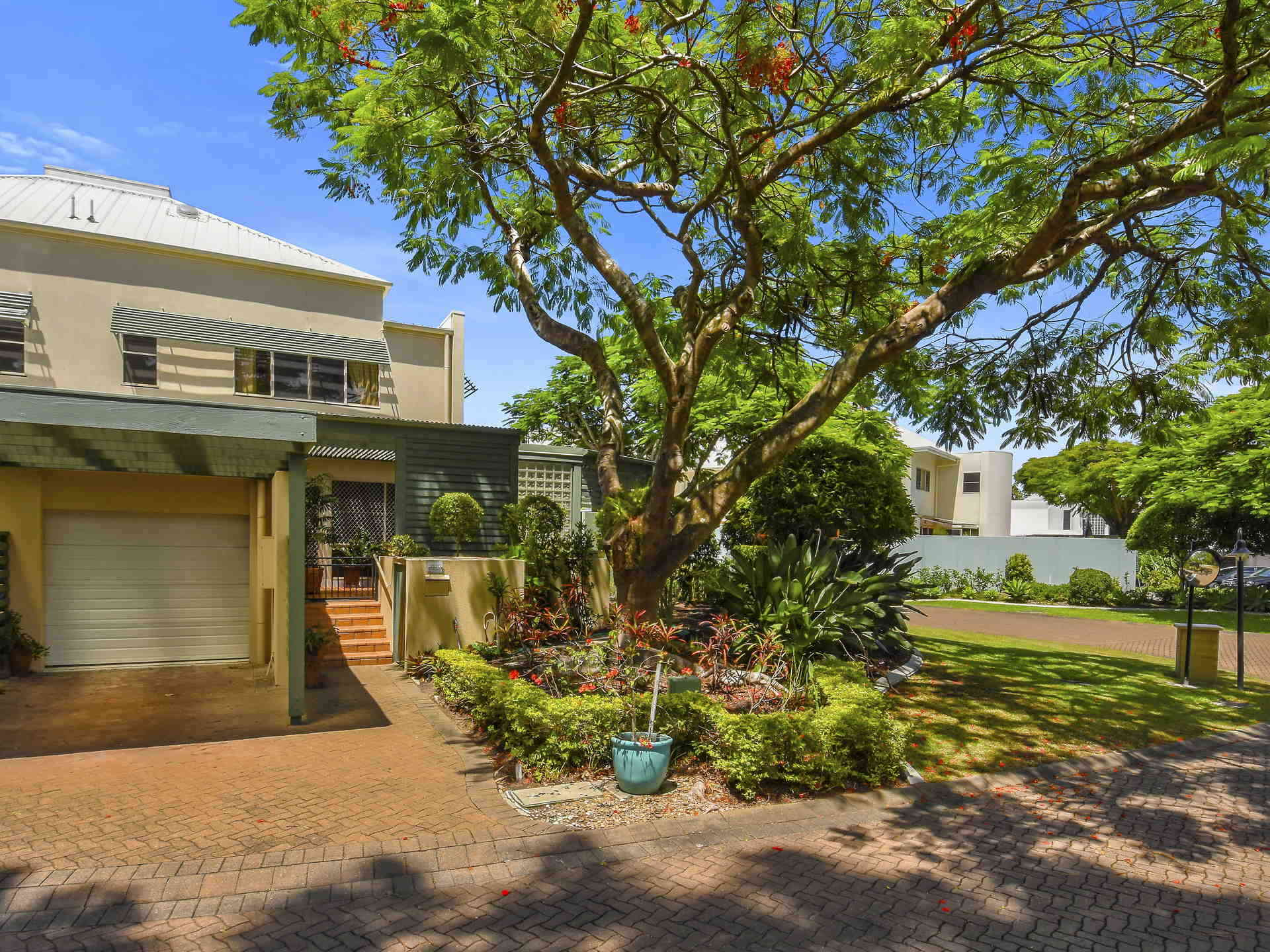 Real Estate   Gold Coast   Chevron Realty   005 Open2view Id494894 2120 Ross Street Royal Pines Benowa