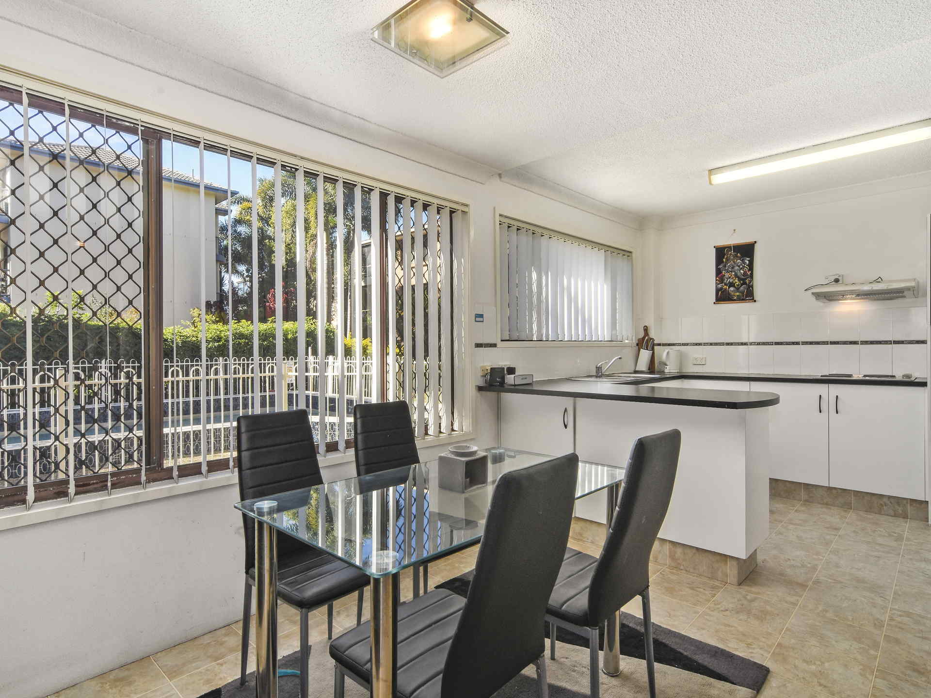 Real Estate | Gold Coast | Chevron Realty | 006 Open2view Id512753 2 548 Marine Parade Biggera Waters