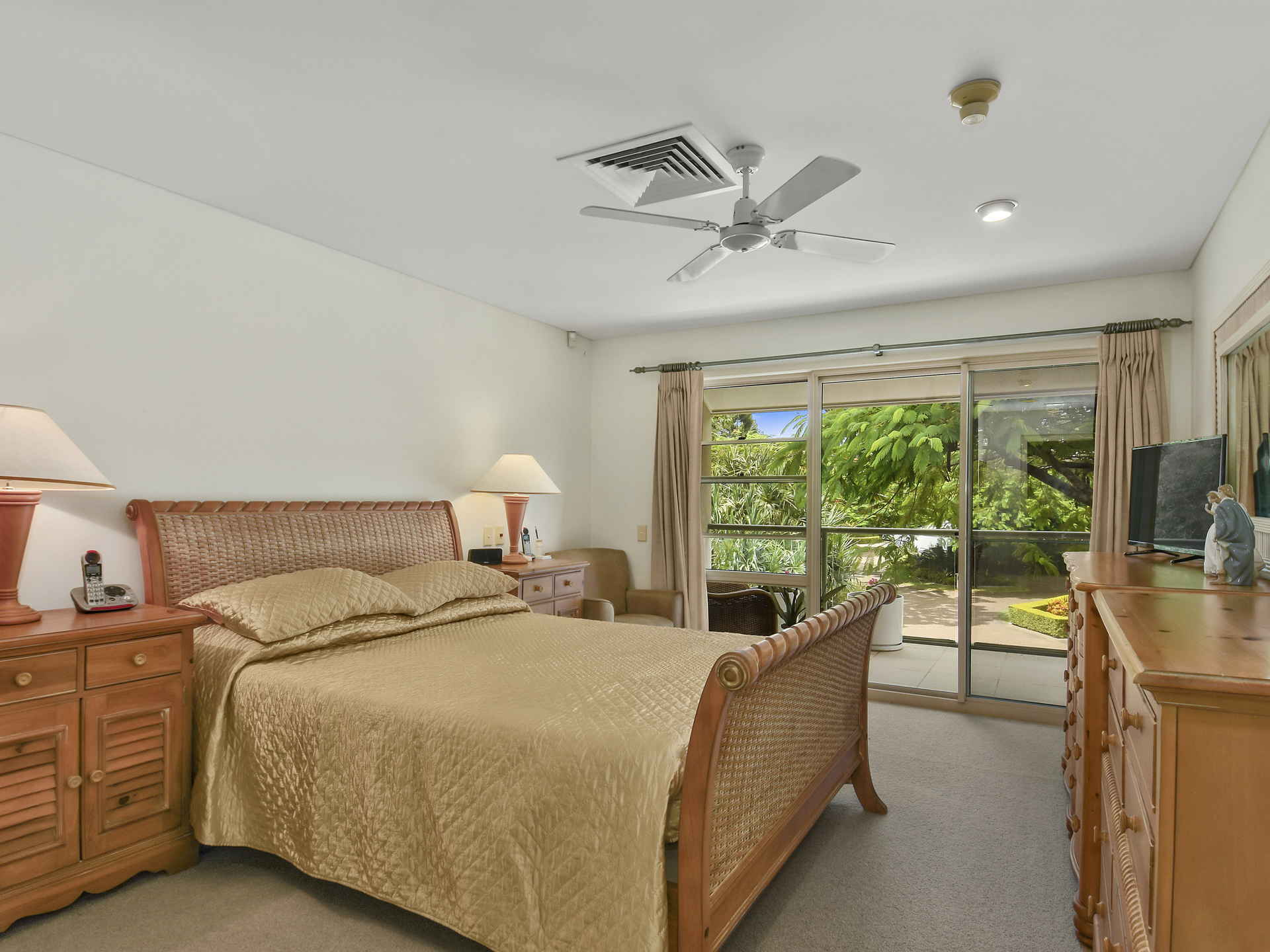 Real Estate   Gold Coast   Chevron Realty   007 Open2view Id494894 2120 Ross Street Royal Pines Benowa