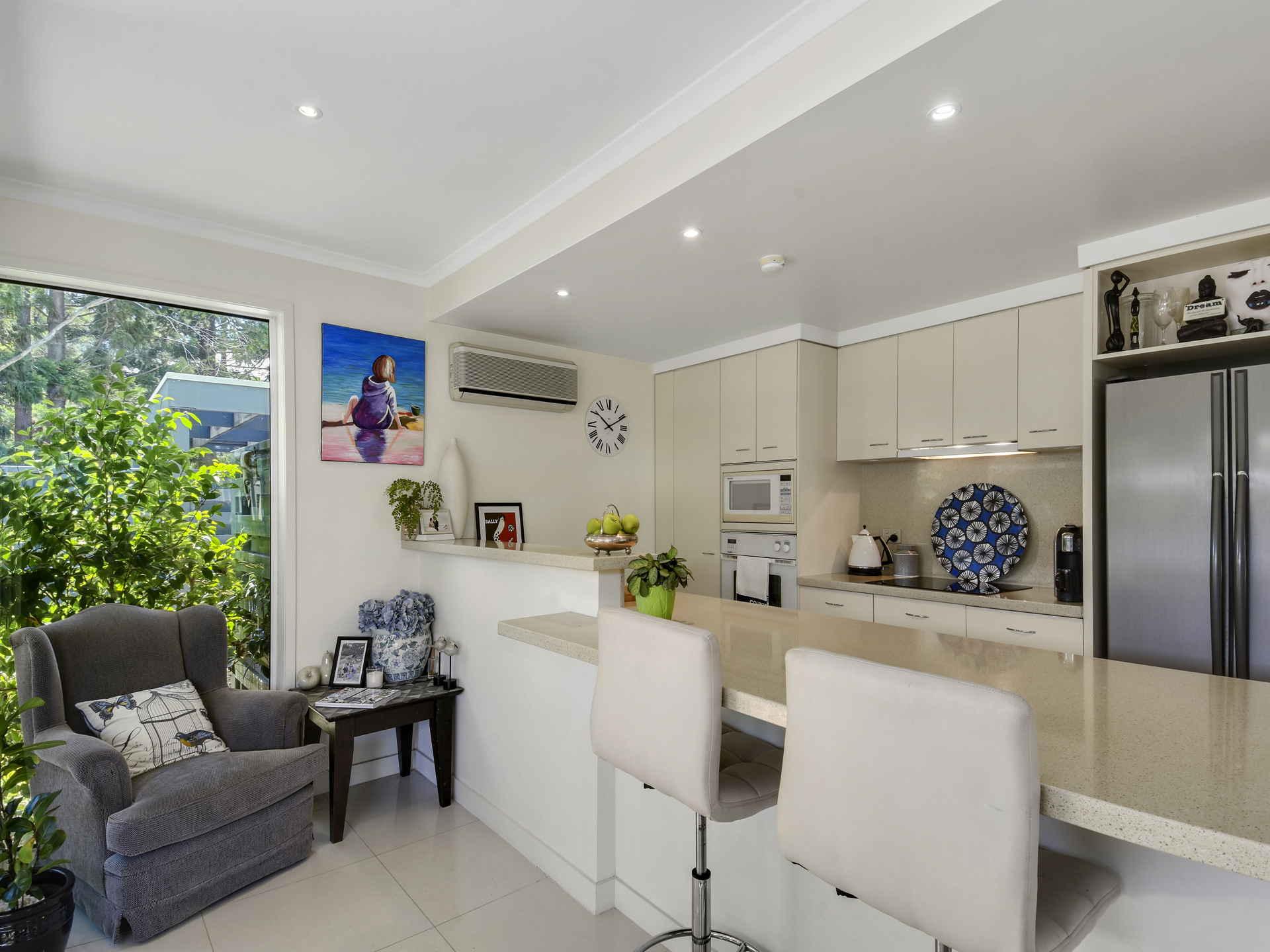 Real Estate   Gold Coast   Chevron Realty   007a