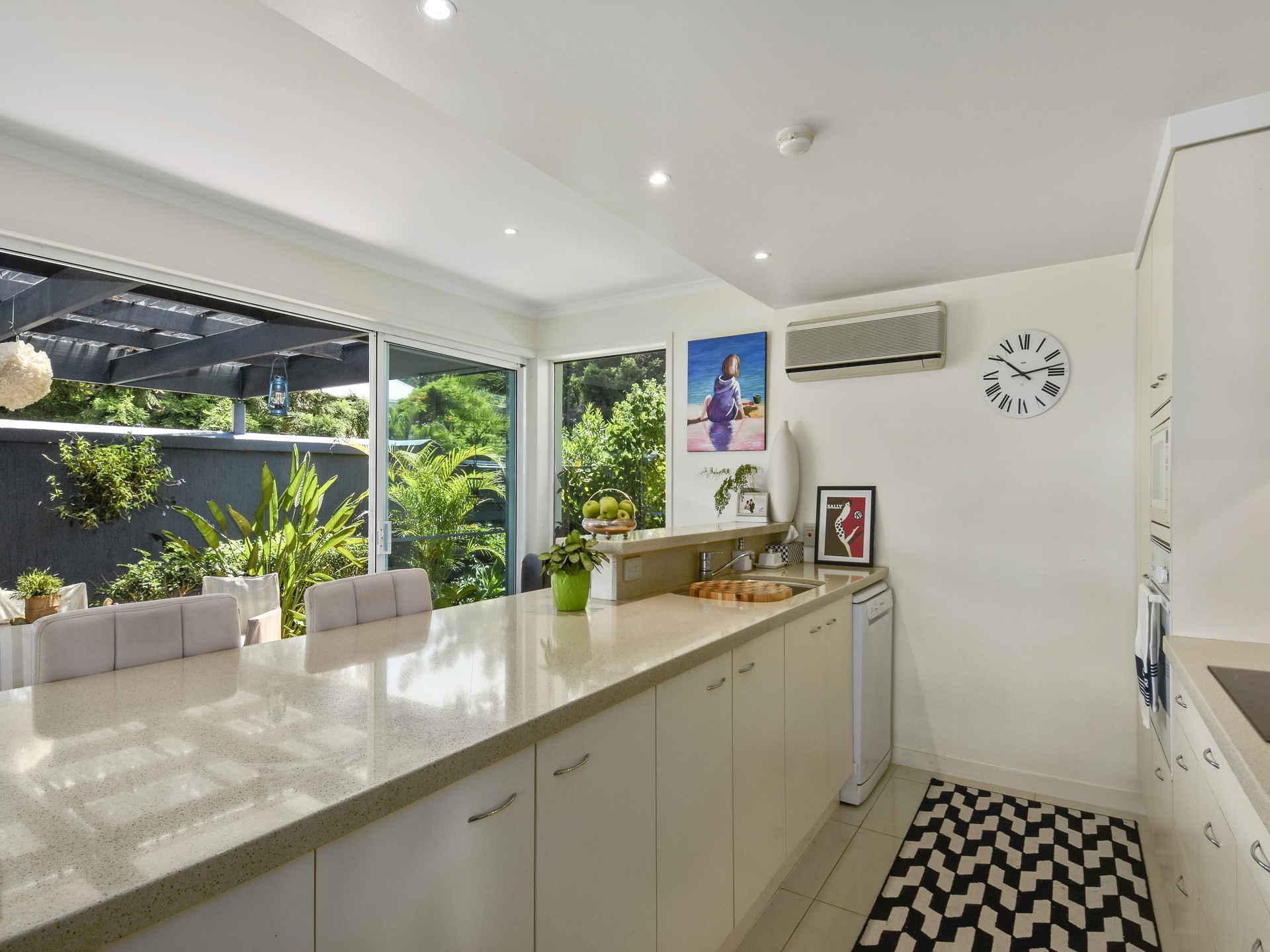 Real Estate   Gold Coast   Chevron Realty   008a