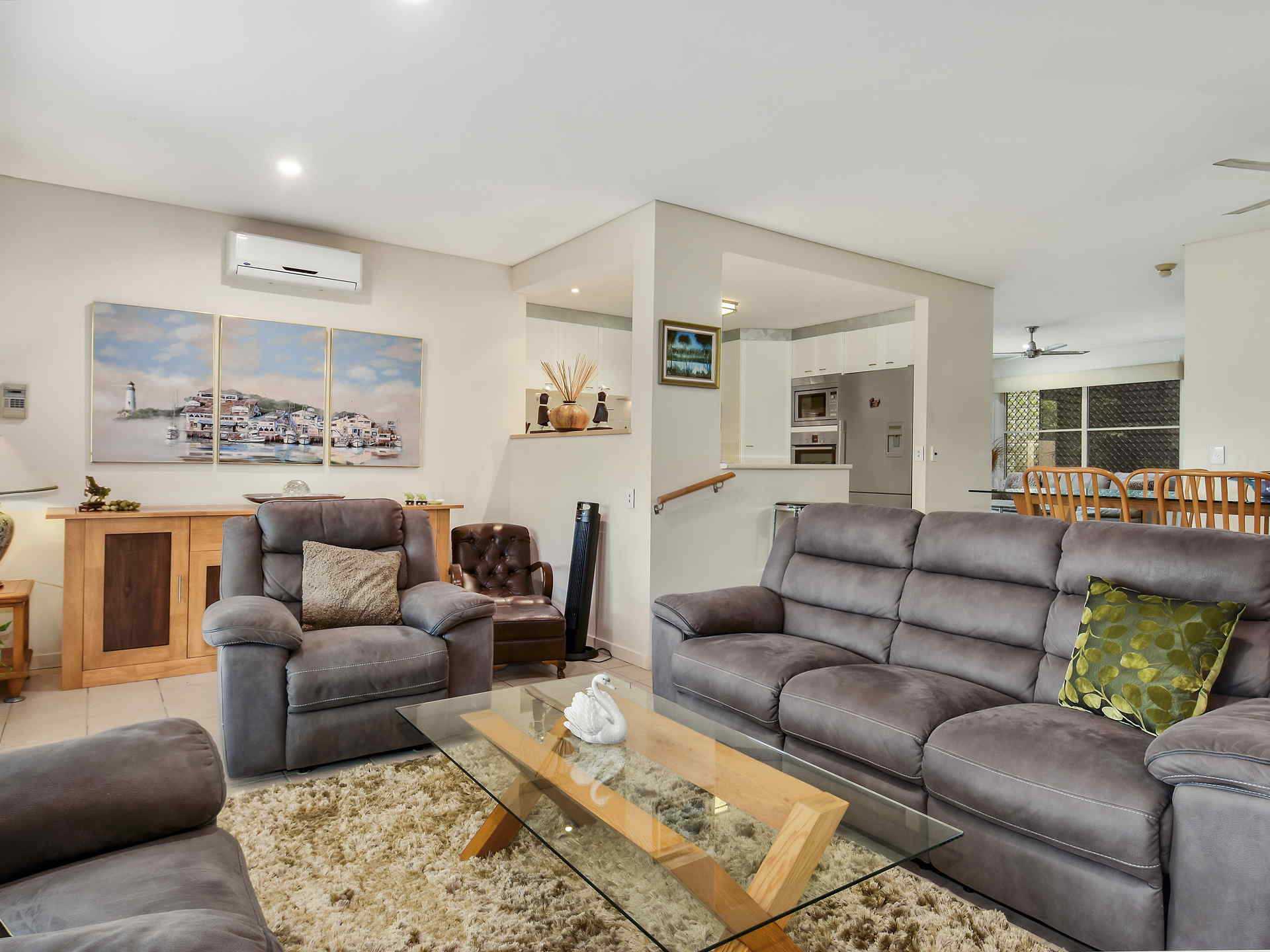 Real Estate   Gold Coast   Chevron Realty   012 Open2view Id494894 2120 Ross Street Royal Pines Benowa