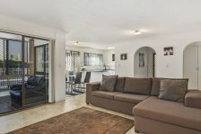 Real Estate | Gold Coast | Chevron Realty | 013 Open2view Id512753 2 548 Marine Parade Biggera Waters