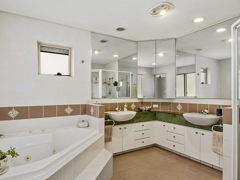 Real Estate   Gold Coast   Chevron Realty   S008 Open2view Id494894 2120 Ross Street Royal Pines Benowa