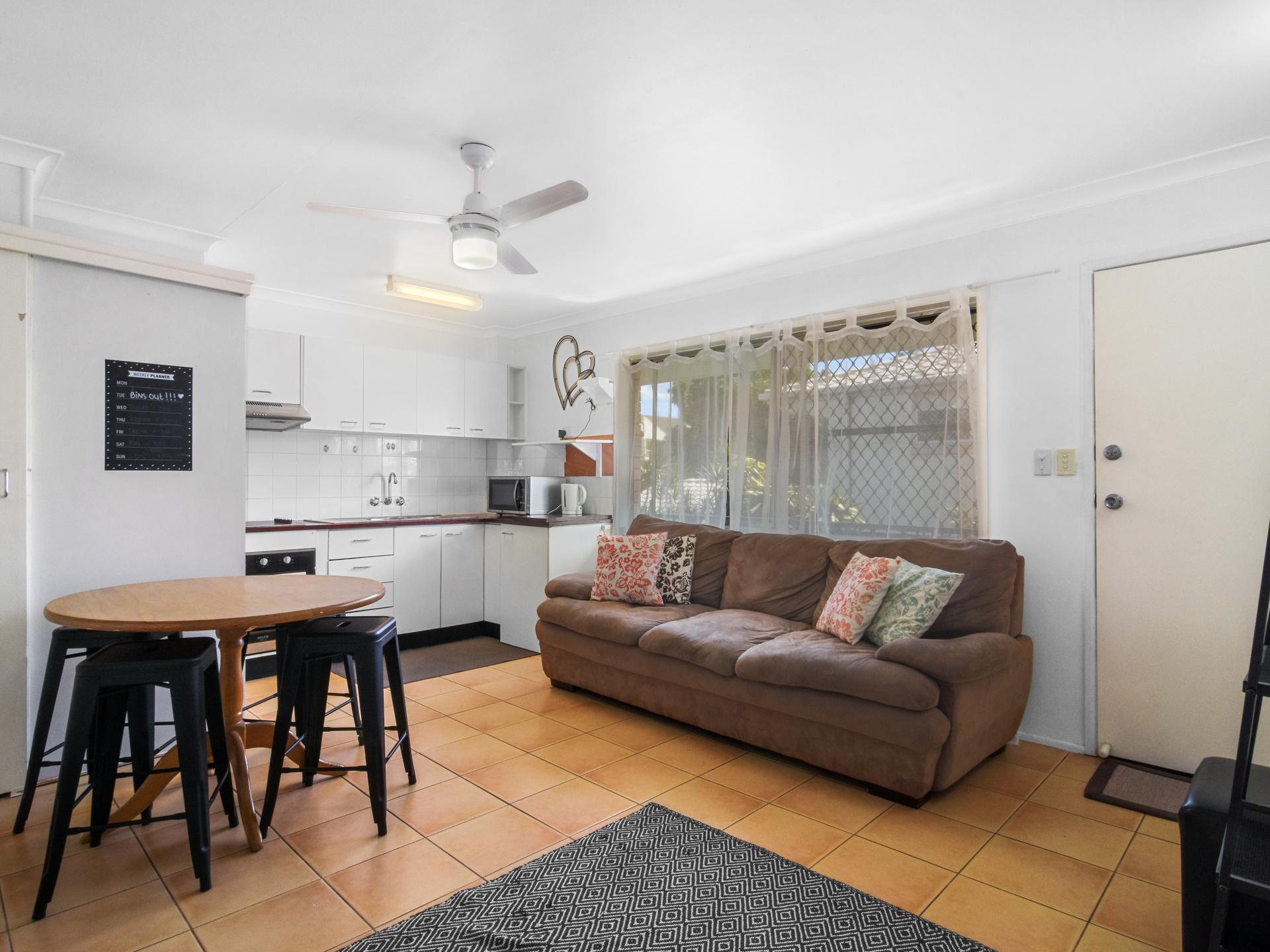 Real Estate | Gold Coast | Chevron Realty | 003 Open2view Id532048 4 35 Darrambal Street Chevron Island