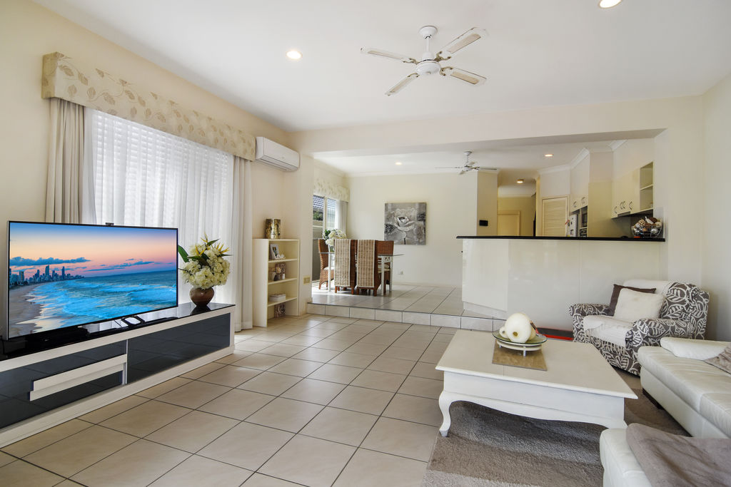 Real Estate | Gold Coast | Chevron Realty | 008 Open2view Id536628 133 Stanhill Drive