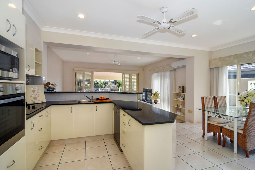 Real Estate | Gold Coast | Chevron Realty | 011 Open2view Id536628 133 Stanhill Drive
