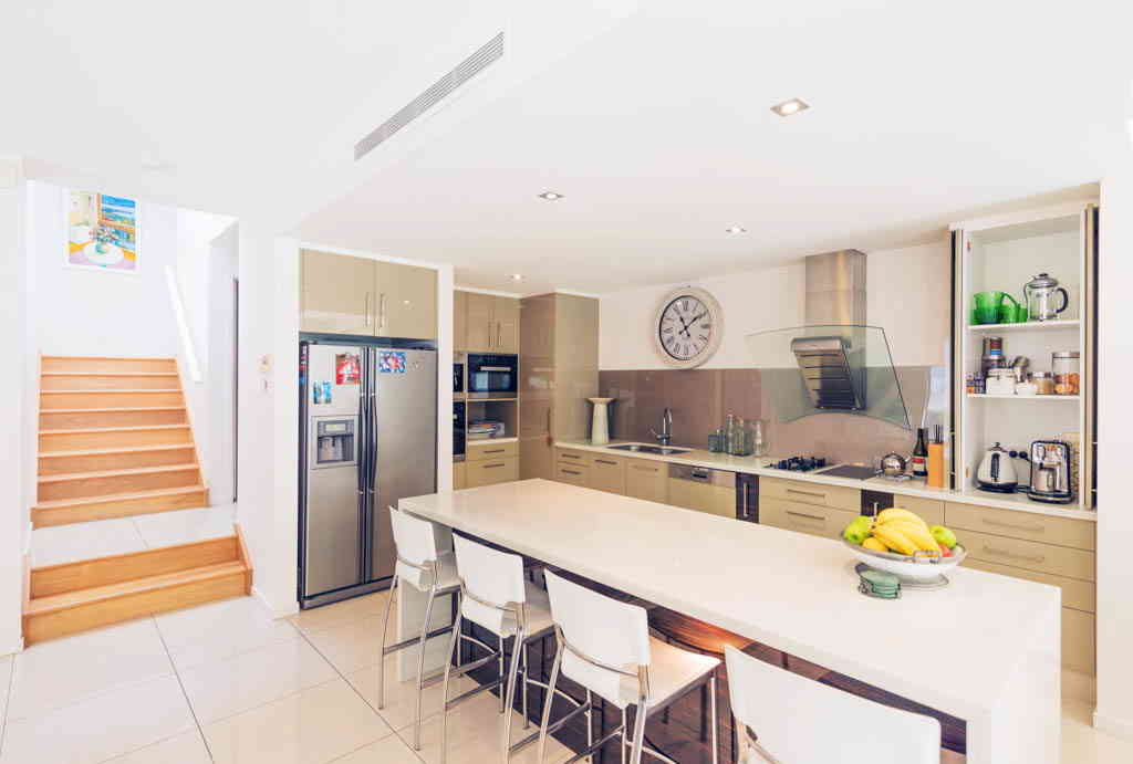 Real Estate   Gold Coast   Chevron Realty   Img 0573