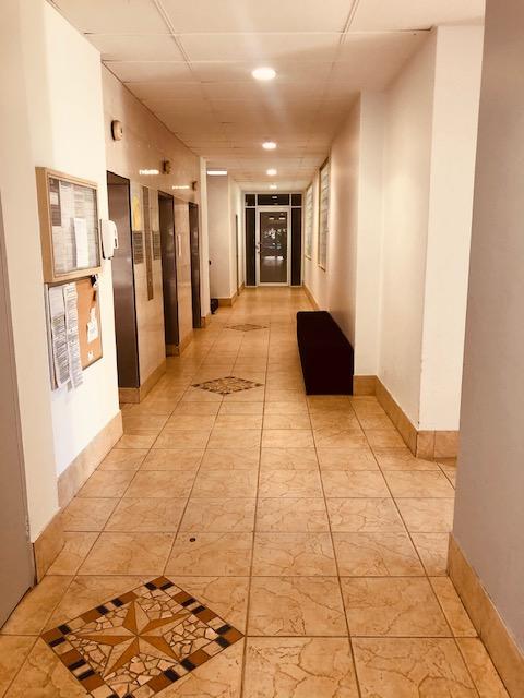 Real Estate | Gold Coast | Chevron Realty | Foyer Lifts