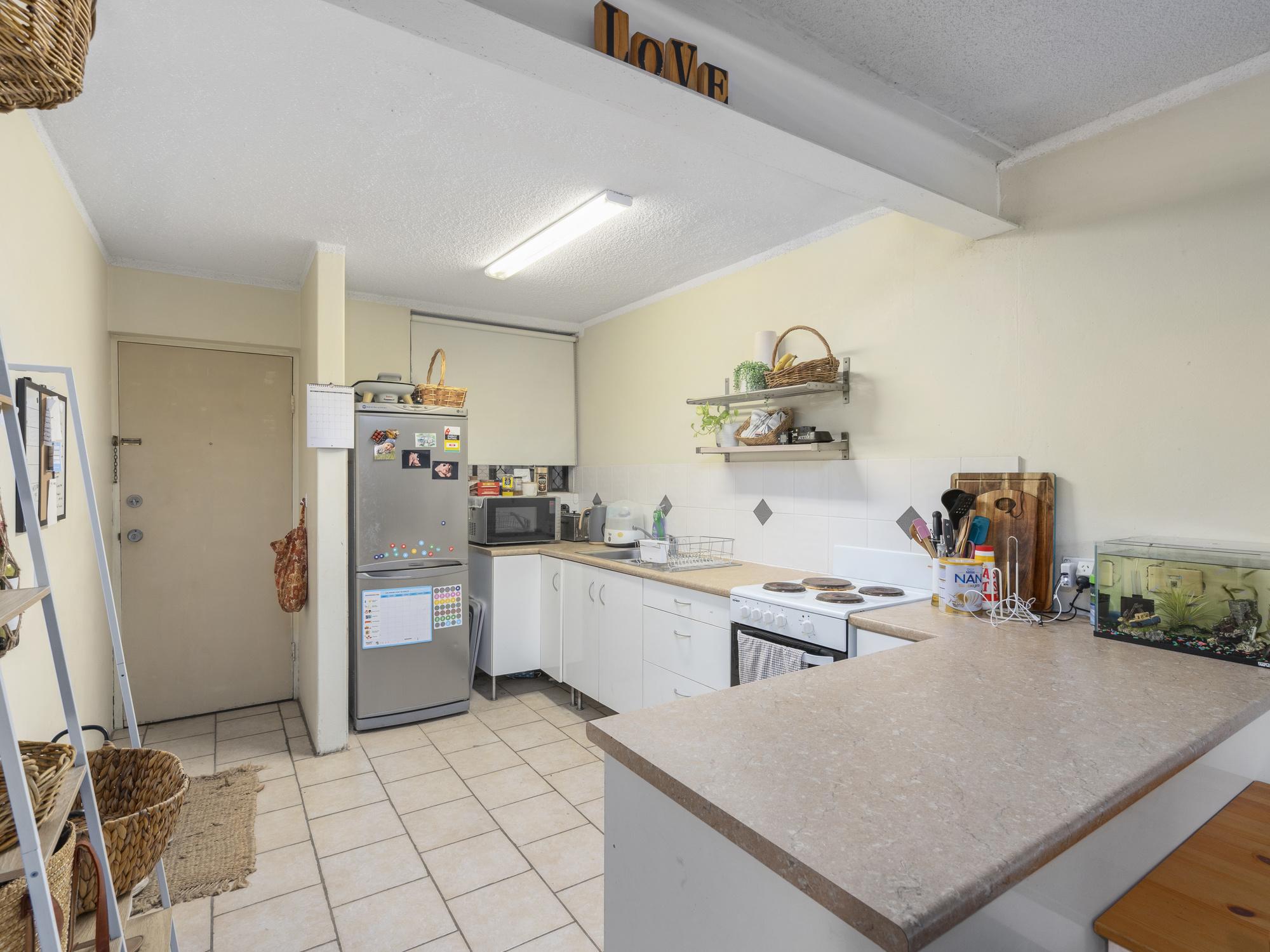 Real Estate | Gold Coast | Chevron Realty | 002 Open2view Id698602 2 33 Darrambal Street