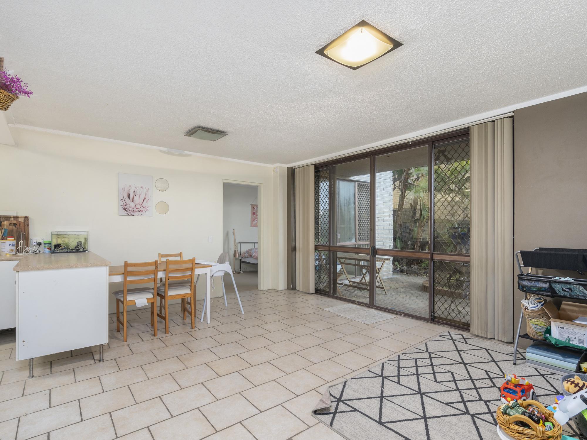 Real Estate | Gold Coast | Chevron Realty | 003 Open2view Id698602 2 33 Darrambal Street