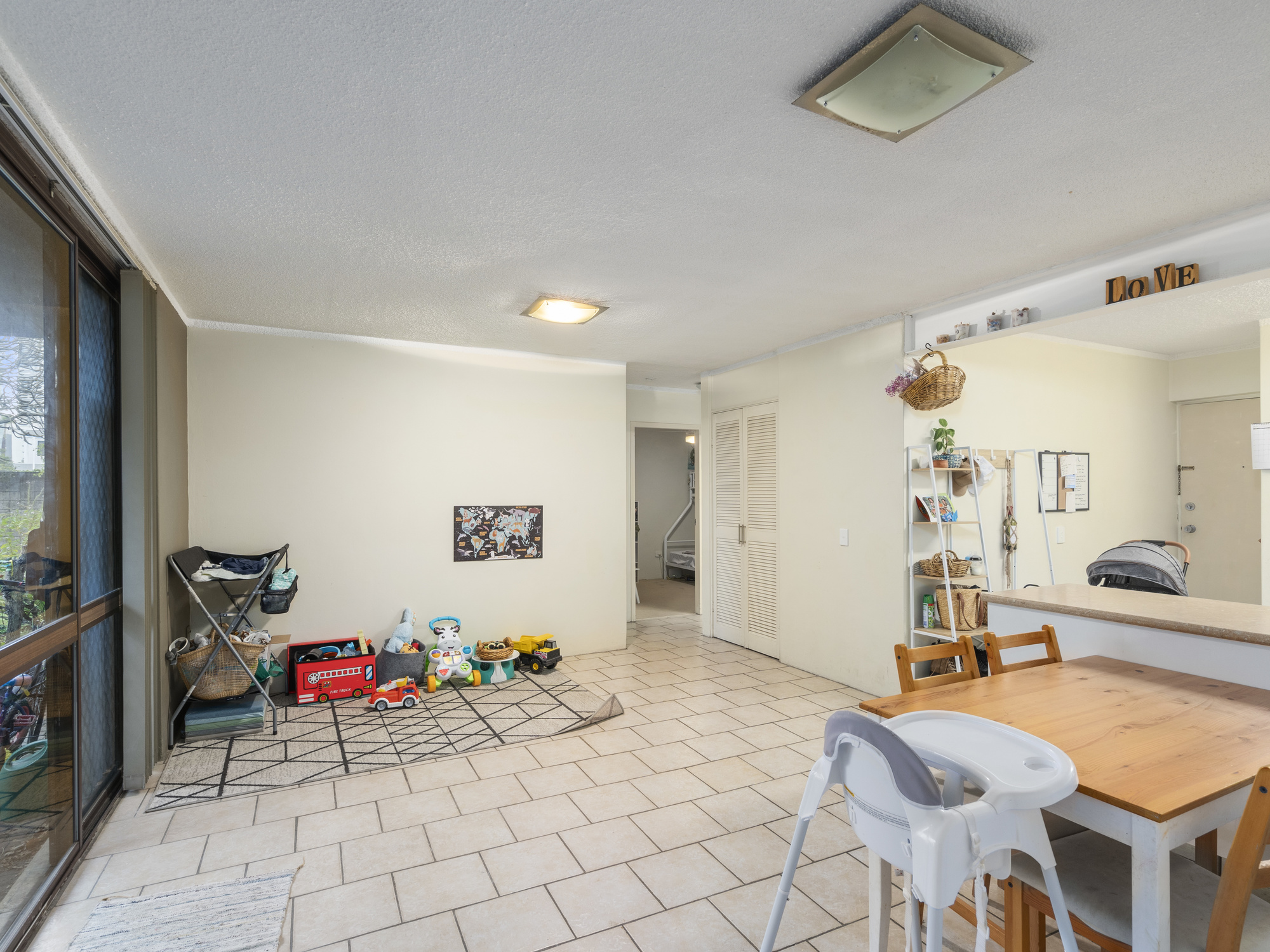 Real Estate | Gold Coast | Chevron Realty | 005 Open2view Id698602 2 33 Darrambal Street